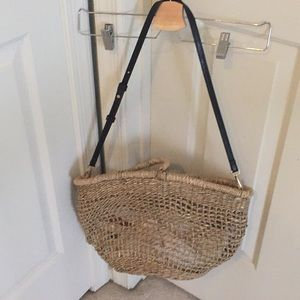 Mango basket bag with shoulder strap and pouch
